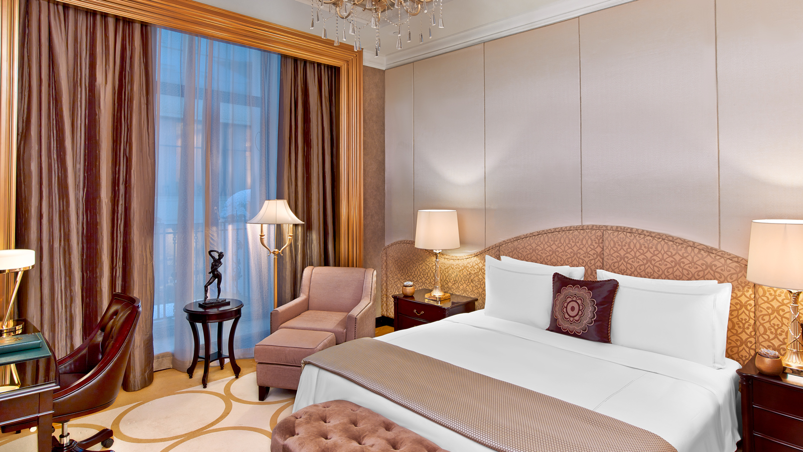 Luxury Five-Star Hotels in Moscow | The St. Regis Moscow Nikolskaya | Deluxe Room Bed Detail