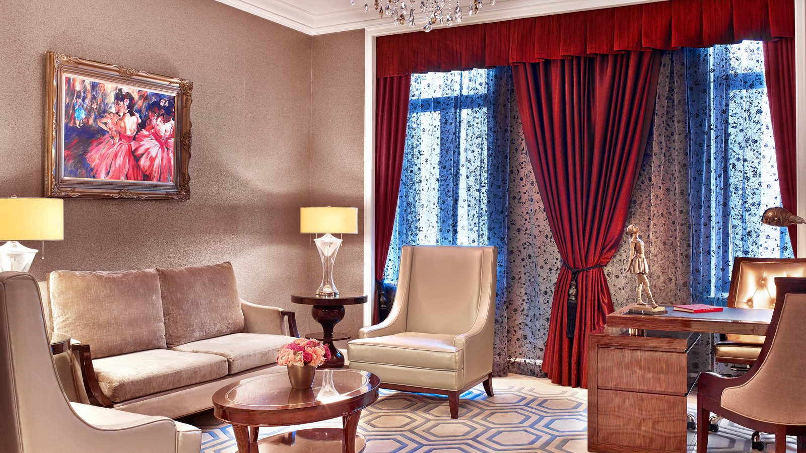 Luxury Five-Star Hotels in Moscow | The St. Regis Moscow Nikolskaya | Suite Rooms | Living Area