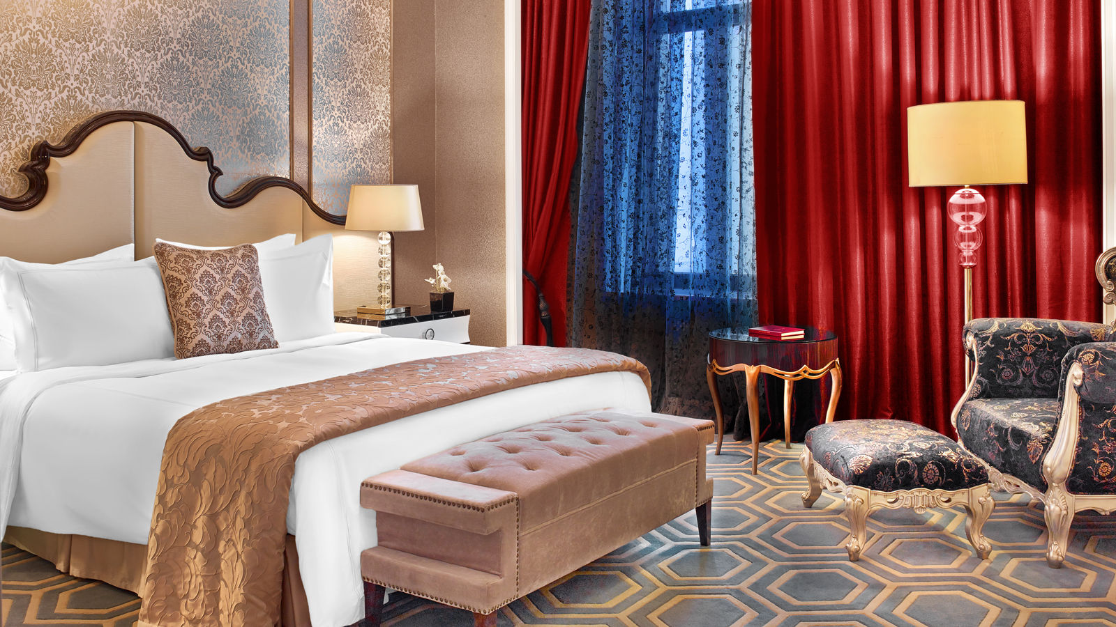 Luxury Five-Star Hotels in Moscow | The St. Regis Moscow Nikolskaya | Deluxe Rooms | Bed
