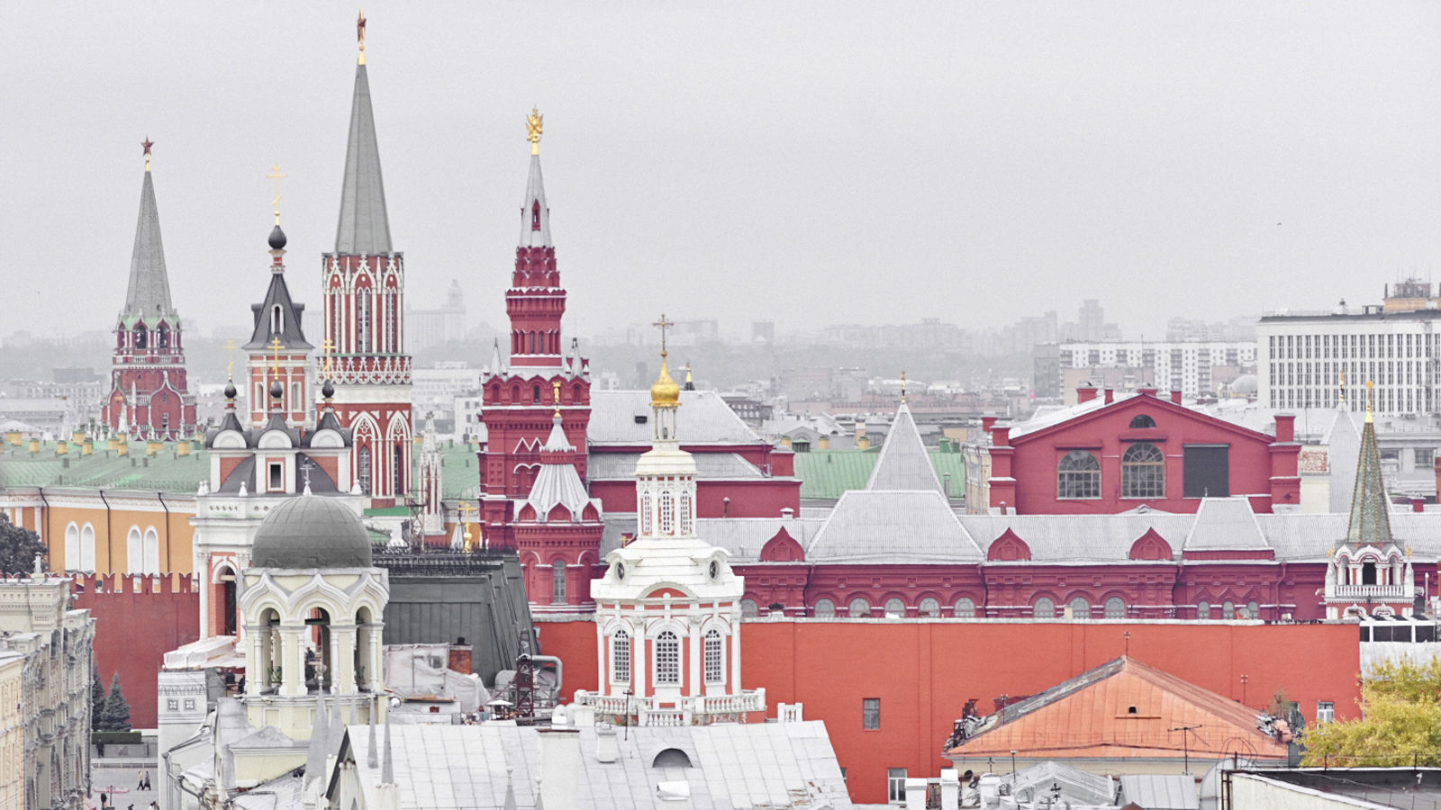 Moscow Luxury Hotels | The St. Regis Moscow | Family Traditions Regis | Kremlin and the Red Square